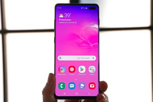 Huawei trolls Galaxy S10 with a feature it copied from the iPhone