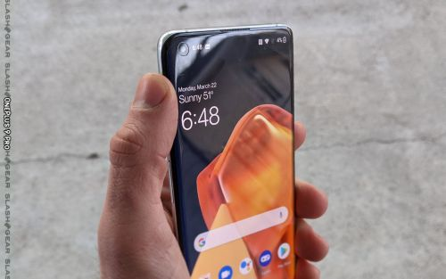 OnePlus 9 Pro overheating issues while Camera app is on reported