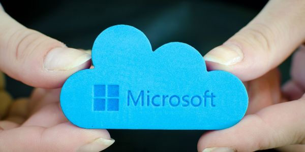 Microsoft becomes trillion dollar company, while AAPL remains below the threshold