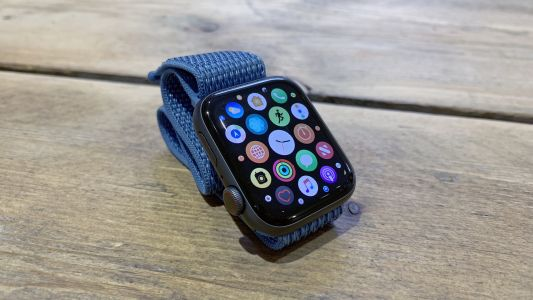 Apple Watch 5 may have been revealed thanks to a leaked photograph