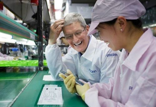 IPhone assembler Foxconn warns chip shortages could extend to Q2 2022
