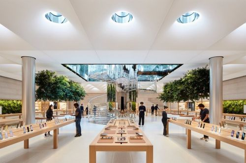 All 511 international Apple Stores are now open after 17 months of closures