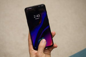T-Mobile finally updates OnePlus 6T to Android 10